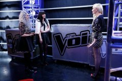 """THE VOICE -- """"Battle Rounds BTS"""" -- Pictured: (l-r) -- (Photo by: Greg Gayne/NBC)"""